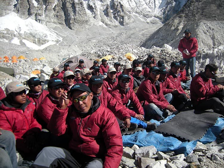 sherpas sto everest